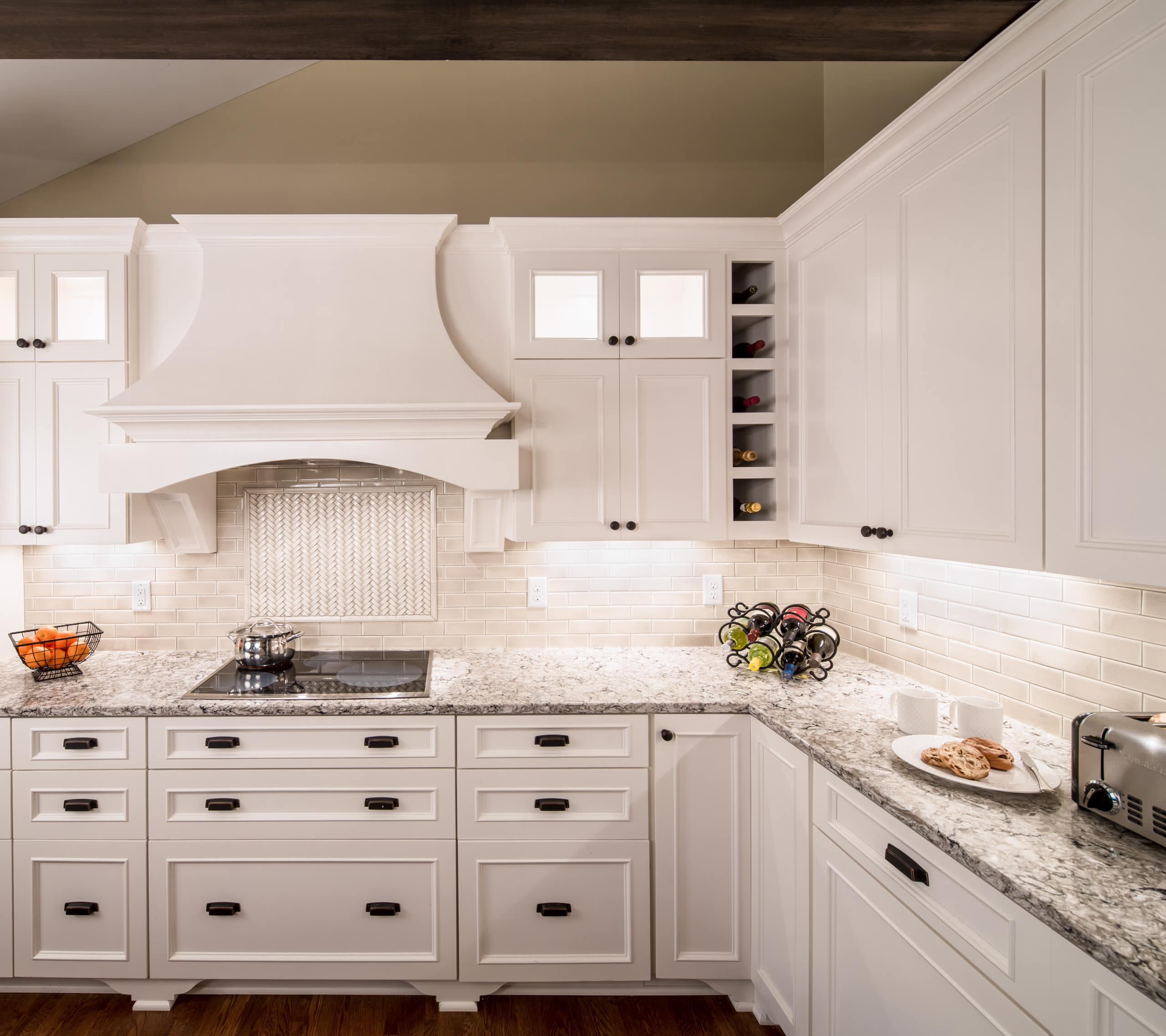 75 Beautiful Kitchen With Travertine Backsplash Pictures Ideas November 2020 Houzz
