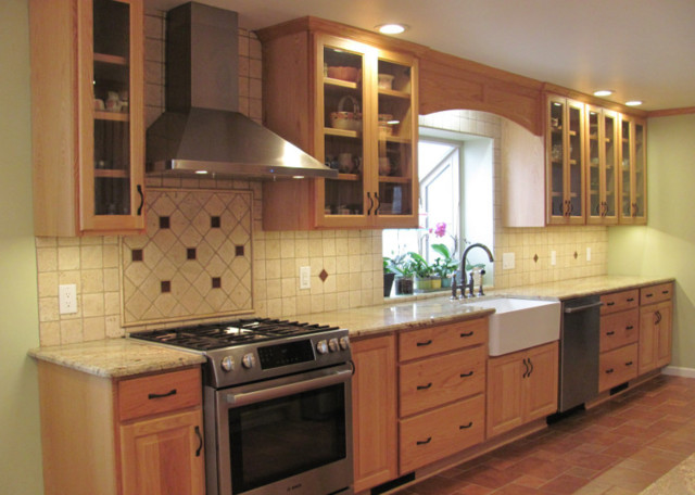 Red Oak Cabinets Country Kitchen Other By Kinzie Woodwork Llc Houzz Ie