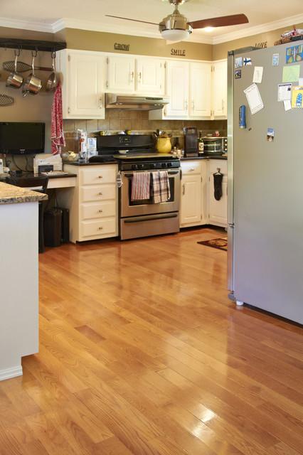 Red Oak Gunstock Staintraditional Kitchen Hardwood Flooring