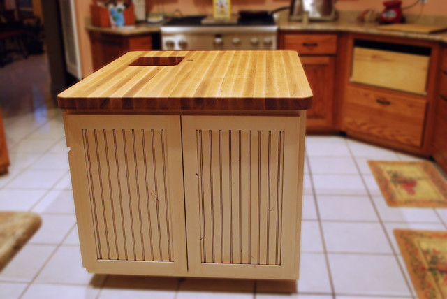 Red Oak Island Top  Eclectic  Kitchen  other metro  by DeVos