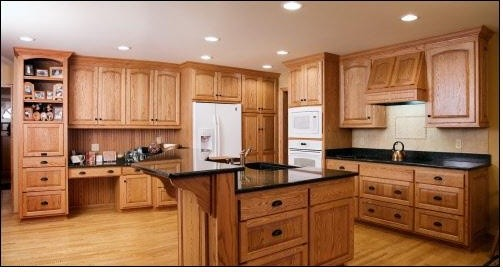 Red Oak Kitchen - Traditional - Kitchen - milwaukee - by A Fillinger Inc