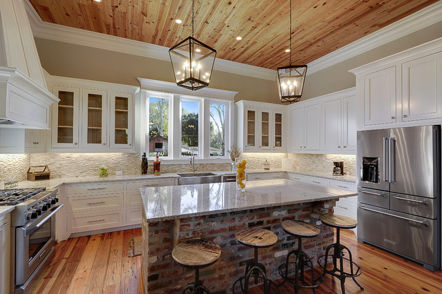 Inspiration For A Transitional U Shaped Medium Tone Wood Floor Kitchen Remodel In New Orleans
