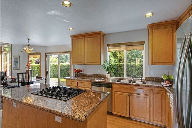 Redondo Luxury home- owner occupied traditional-kitchen