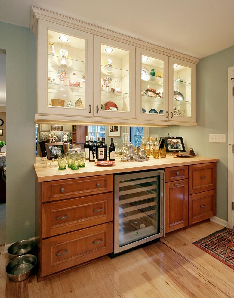 Redwood Kitchen - Traditional - Kitchen - Milwaukee - by ...