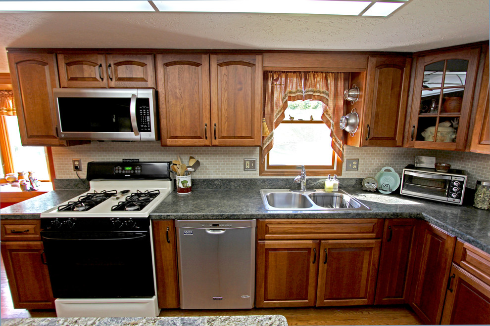 Refaced Hickory Kitchen Cabinets Medina Oh Traditional Kitchen Cleveland By Cabinet S Top