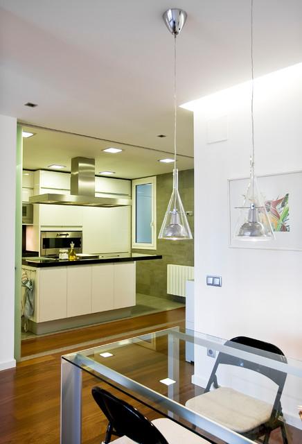 C mo iluminar una cocina las claves seg n cuatro expertos for Como iluminar una escalera