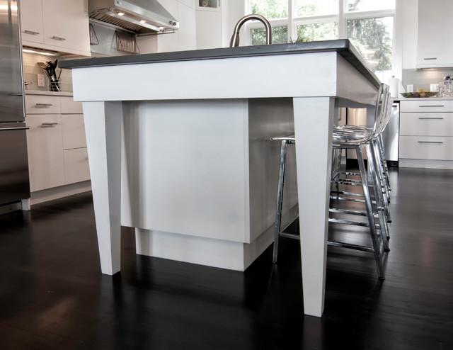 Refreshing Contemporary Kitchen contemporary-kitchen