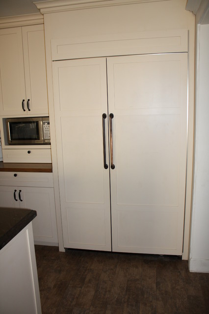 Refrigerator Cabinet traditional-kitchen