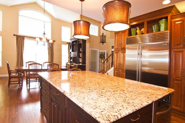 Regal And Elegant Kitchen Traditional Kitchen Chicago By Ddk Kitchen Design Group