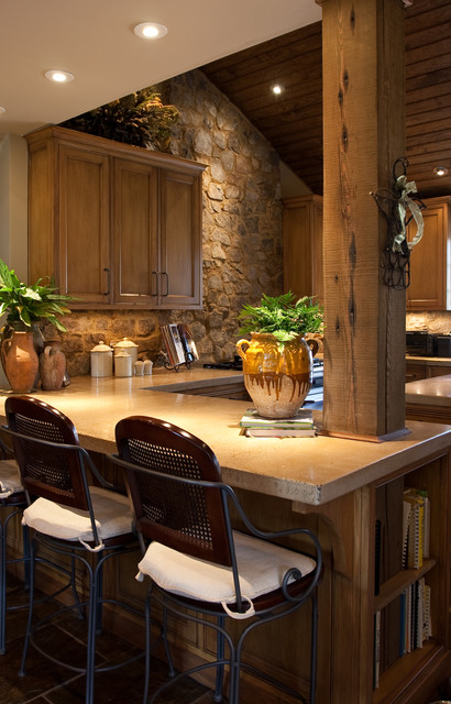 Relaxed kitchen traditional-kitchen