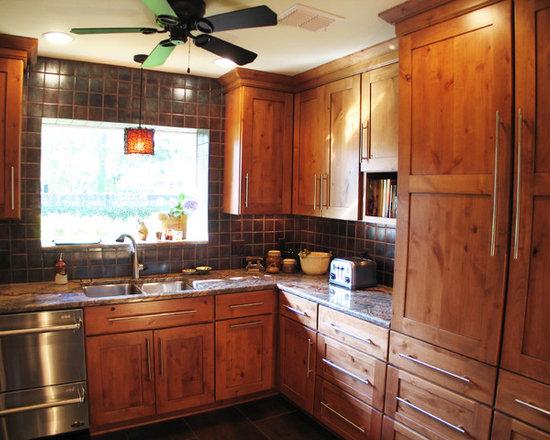 Rust Colored Tile Kitchen Design Ideas, Remodels & Photos