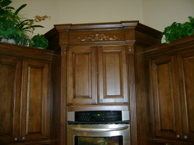 Remodels traditional-kitchen