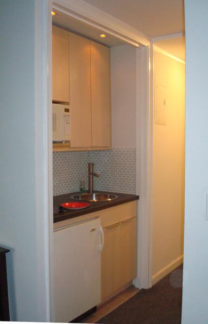 Rental studio with a mini IKEA kitchen - Modern - Kitchen - new york - by smartaptnyc