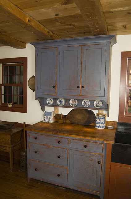 Reproduction Peoria Il Saltbox House Traditional