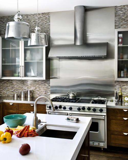 16 Kitchens That Prove Stainless Steel Can Go Way Beyond