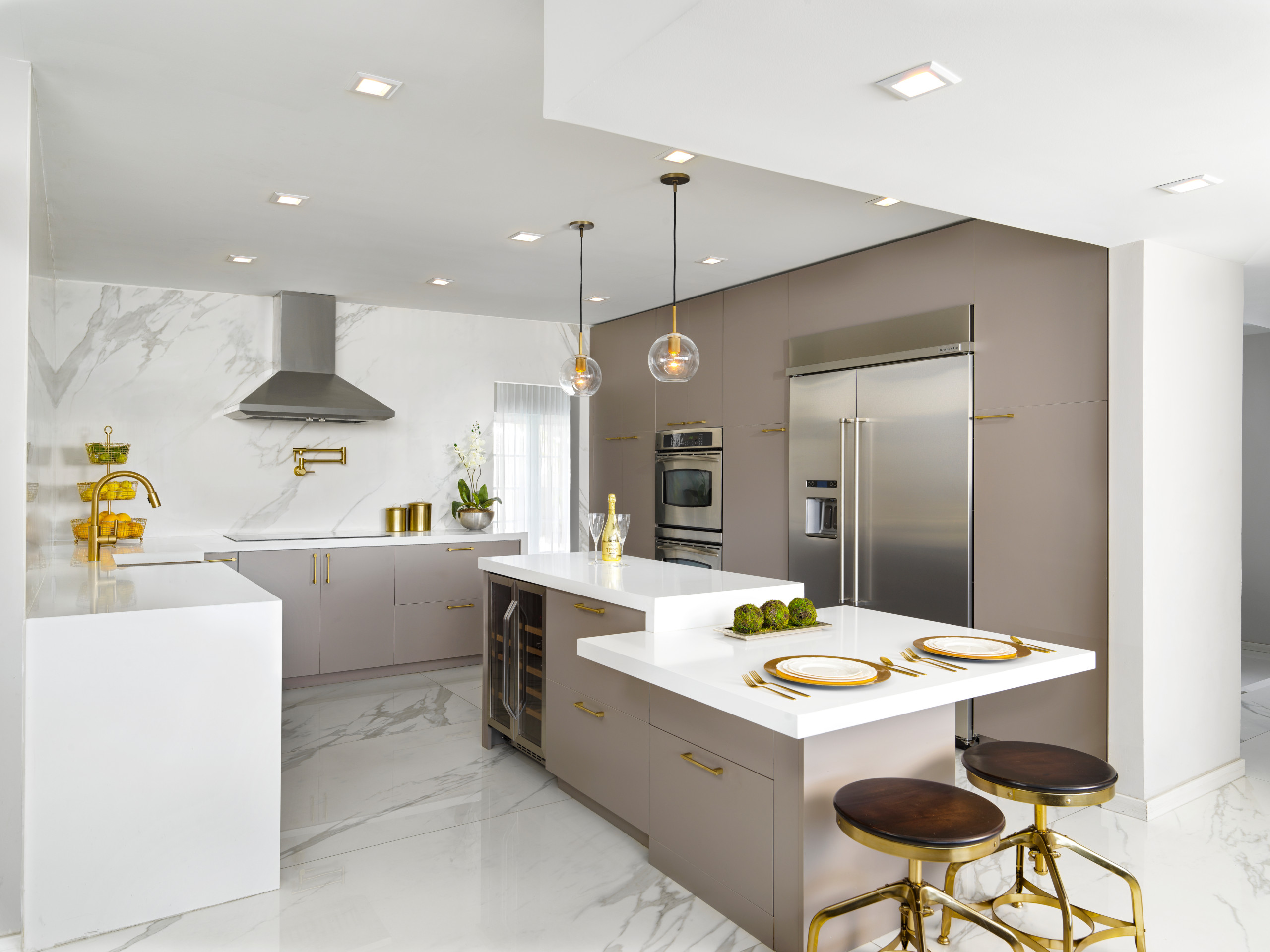 75 Beautiful White Marble Floor Kitchen Pictures Ideas January 2021 Houzz