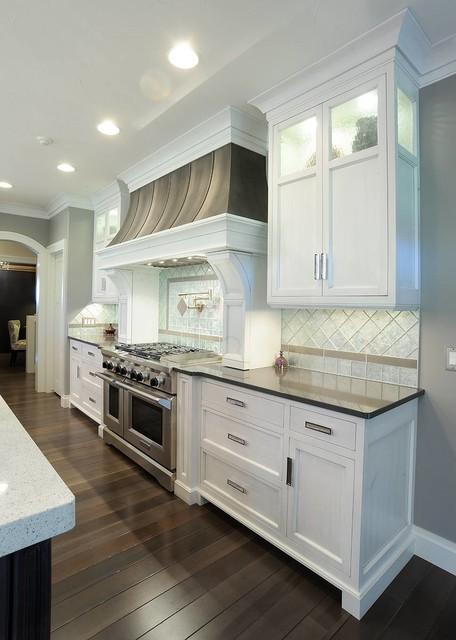 Merveilleux Transitional Kitchen Photo In Cleveland