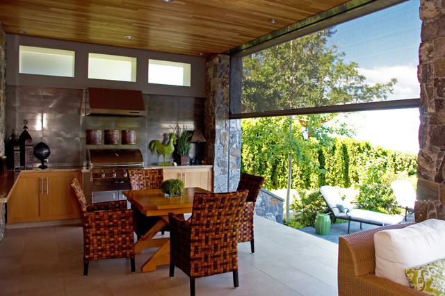 Retractable screens bring outdoor living - Okanagan style contemporary patio
