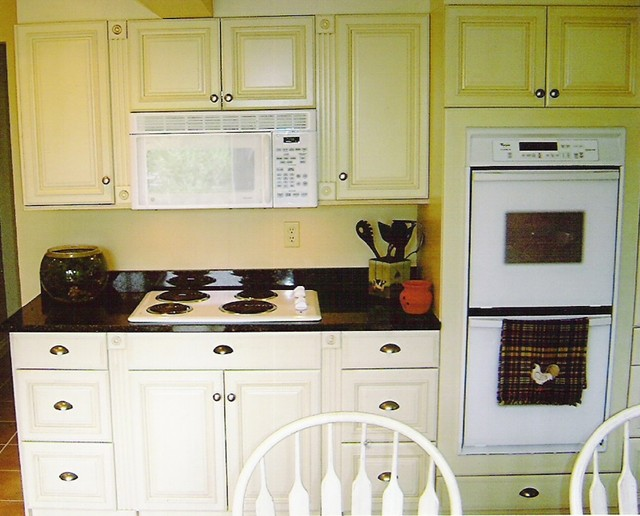Heidi kitchen kitchen other metro by the home depot for Bathroom remodel yakima