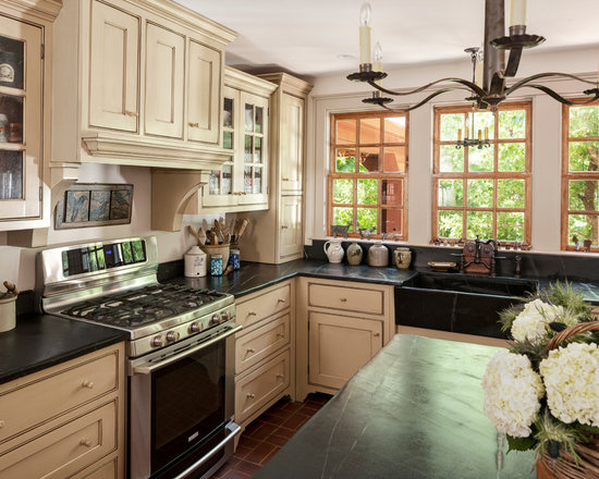 Mid-Sized Primitive Cabinets Home Design Ideas, Pictures, Remodel and Decor