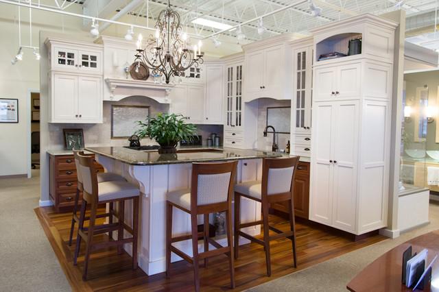 RIKB Showroom traditional-kitchen