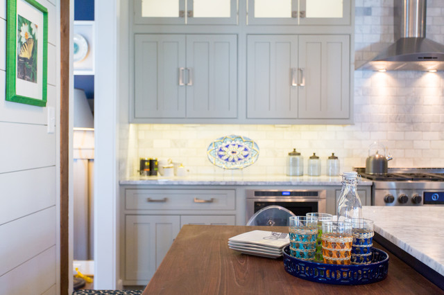 Inspiration for a transitional kitchen remodel in Richmond