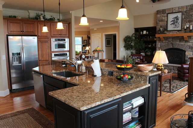 River Course Golf Course Home traditional-kitchen