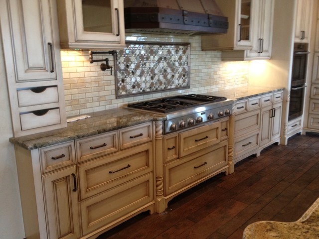 RiverCity Cabinets traditional-kitchen