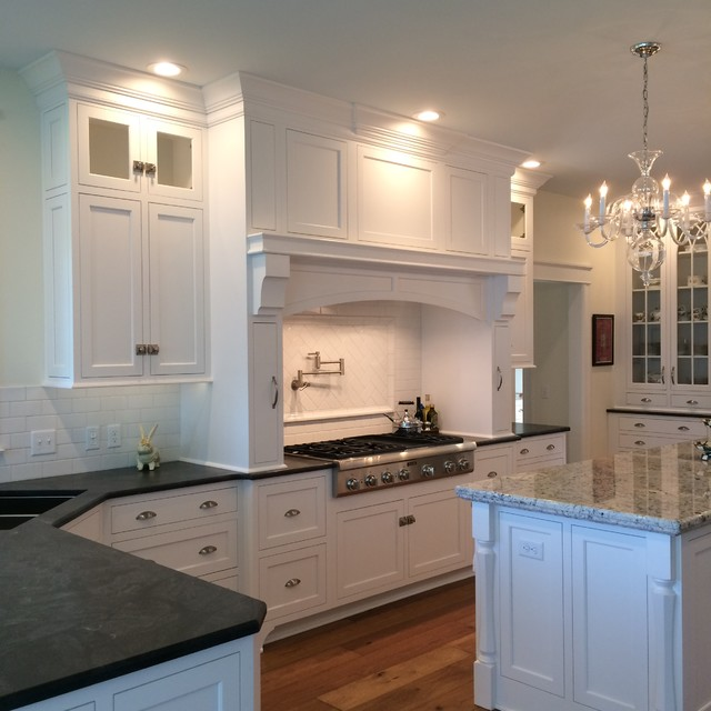 Riverview Traditional Kitchen By Clarence Kitchen Design Studio Barb King