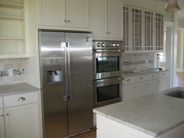 Riverview Custom Home traditional-kitchen