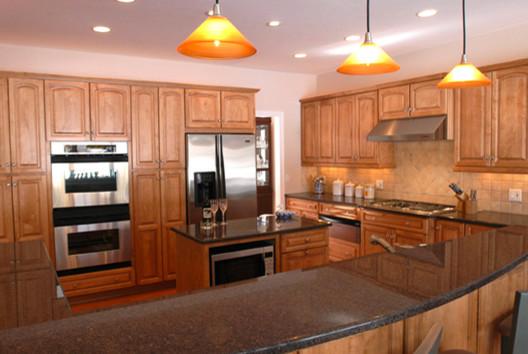 Riviera Construction Inc. traditional-kitchen