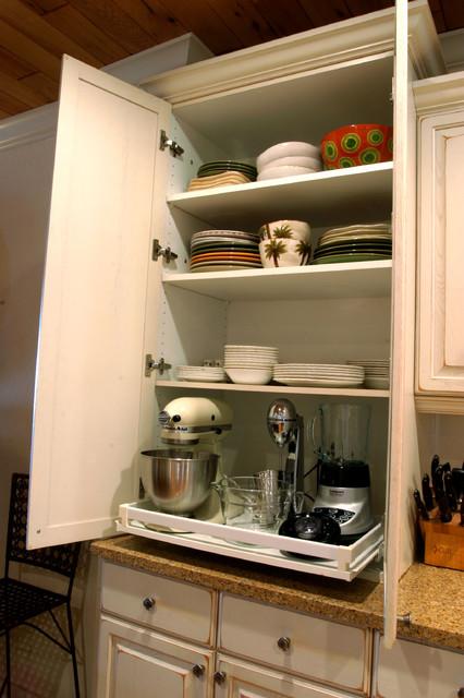 Robertson Kitchen traditional-kitchen