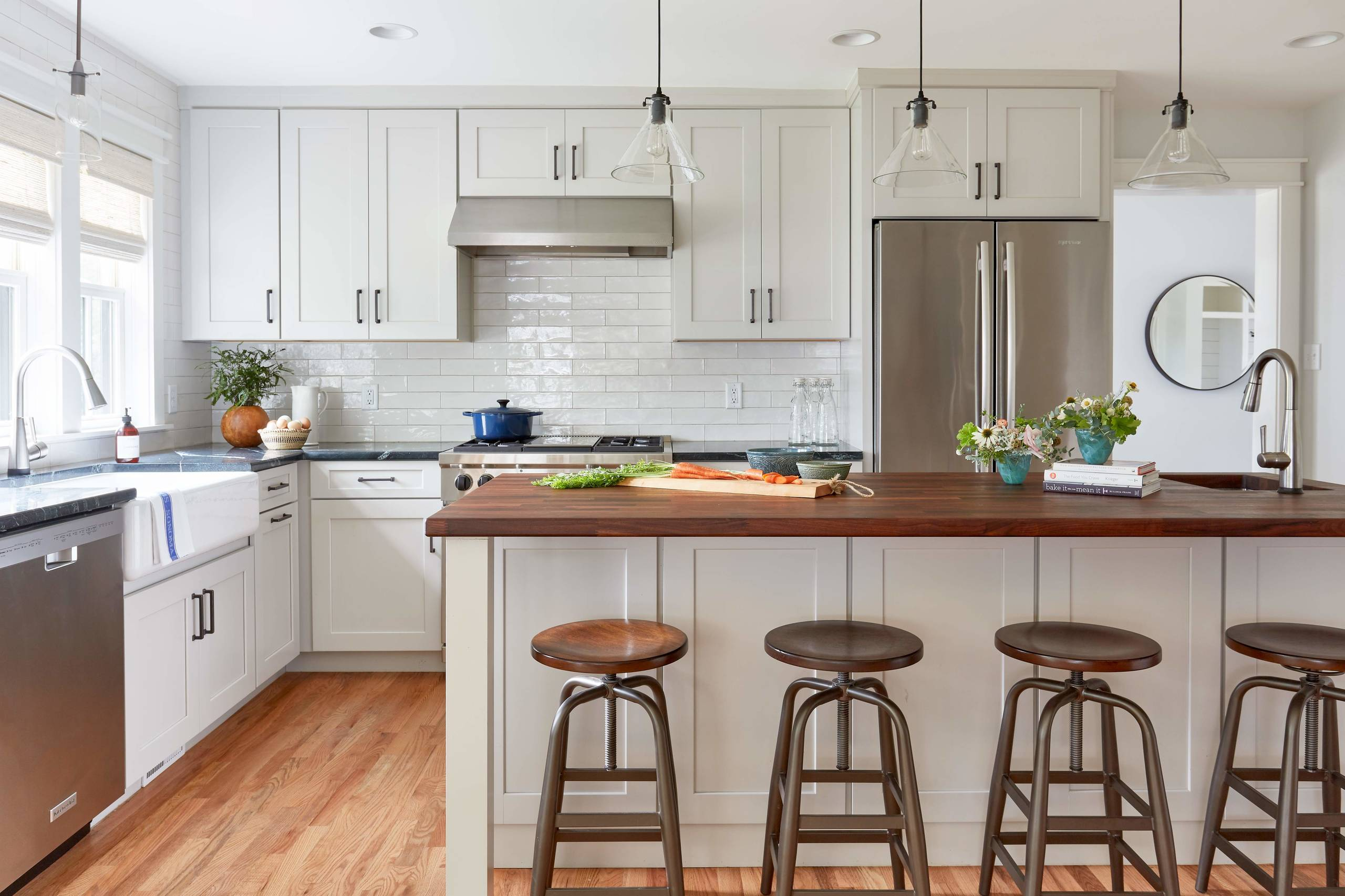 - Modern Farmhouse Kitchen Houzz