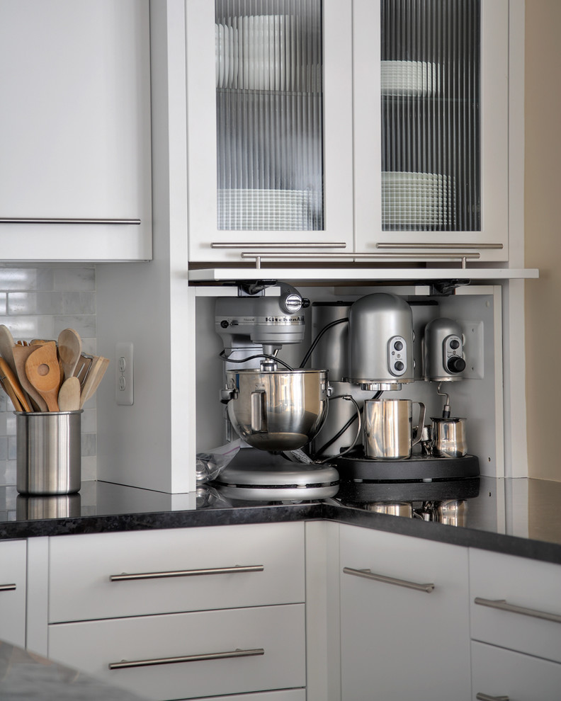 Eat-in kitchen - large contemporary u-shaped dark wood floor eat-in kitchen idea in DC Metro with an undermount sink, shaker cabinets, white cabinets, marble countertops, white backsplash, stainless steel appliances, an island and marble backsplash