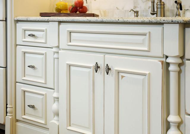 Rockville md kitchen renovation traditional kitchen for Ferguson outdoor kitchen