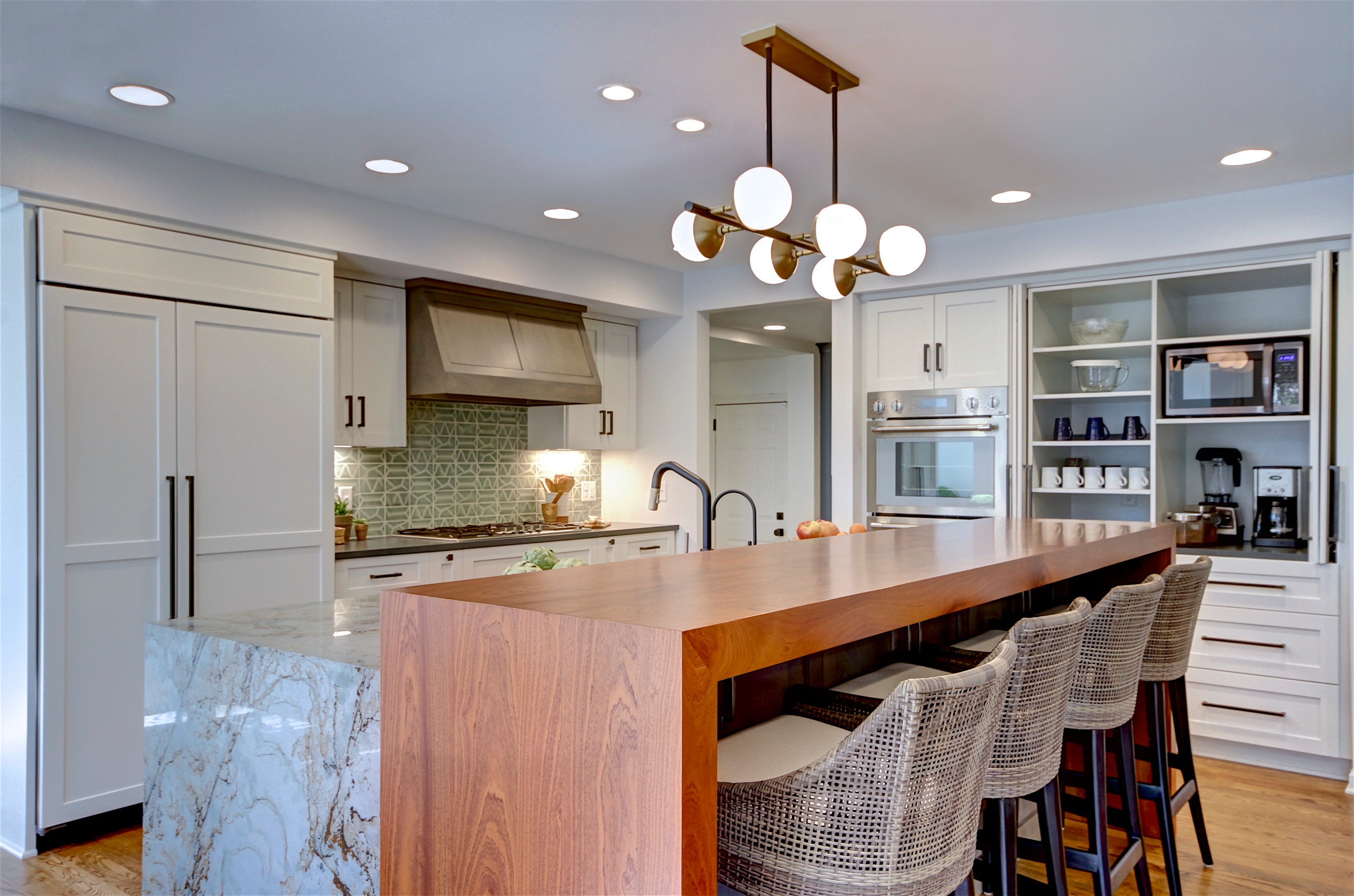 75 Beautiful Transitional Kitchen Pictures Ideas February 2021 Houzz
