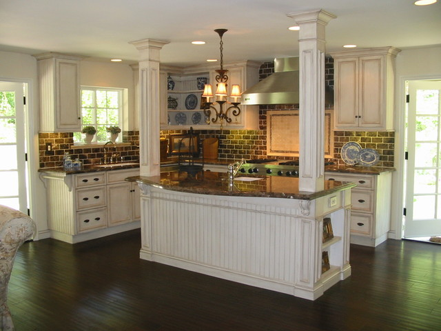 Romantic Homes Magazine Cover Kitchen- Nantucket Country traditional kitchen
