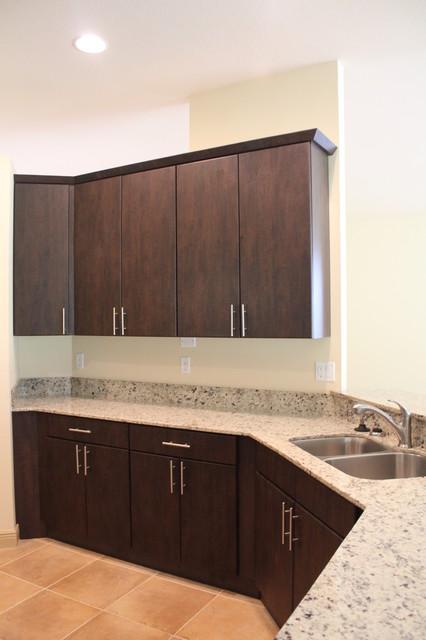 Ronald 39 s kitchen refacing naples condo contemporary for Refacing kitchen cabinets miami