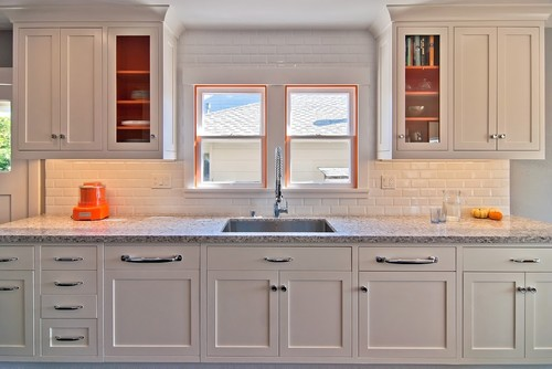 remodelaholic painting inside kitchen cabinets