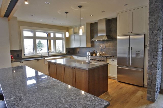 Roslyn traditional-kitchen