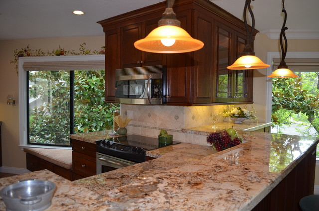 Rossmoor Pkwy traditional-kitchen