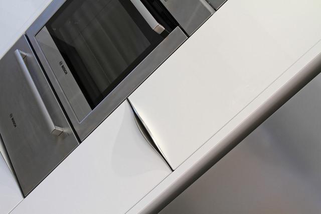 Rotpunkt Lucido White High Gloss Kitchen modern-kitchen