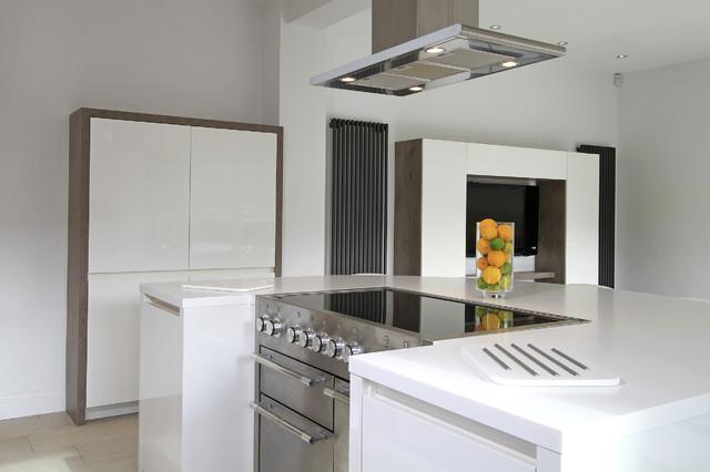 Rotpunkt Zerox HL High Gloss & Grey Wild Oak Kitchen in White. modern-kitchen