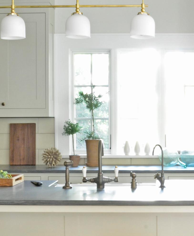 rouken glen  transitional  kitchen  new york