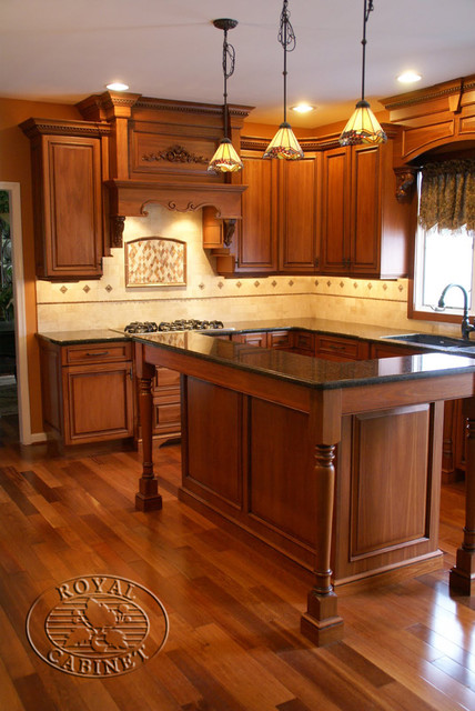 Royal Cabinet Company: Traditional Kitchen in Environmental Friendly Lyptus Wood traditional-kitchen