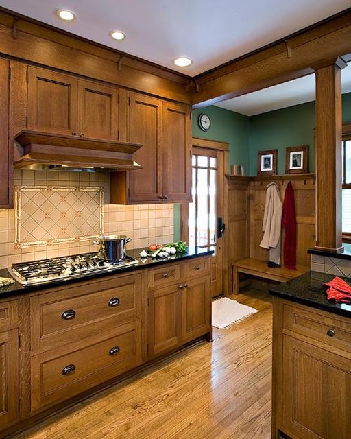 Royal Kitchen Design: Royal Oak Arts & Crafts Kitchen, MI