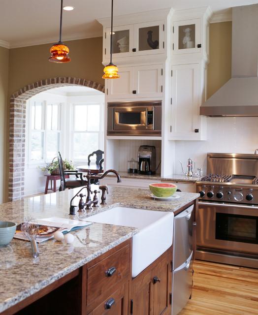 Traditional Kitchen Designs With Islands: Rural Homestead Kitchen Island