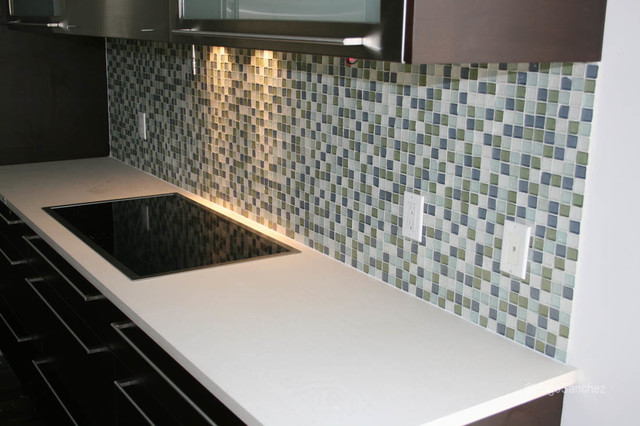 Rustic & chic glass mosaic contemporary-kitchen