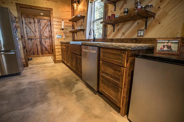 Rustic Barnwood Kitchen Rustikal Kuche Wichita Von Saw Creations Llc Houzz