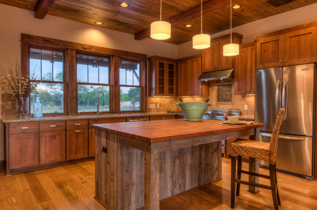 Large Rustic L Shaped Light Wood Floor Eat In Kitchen Idea In Austin With